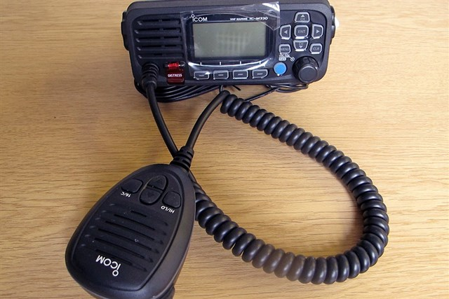 A VHF marine radio set